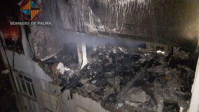 Un joven de 27 años en estado crítico tras sufrir graves quemaduras en un incendio en un ático de Palma