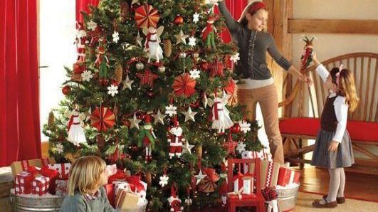 Ocho de cada diez lectores decoran sus viviendas en Navidad