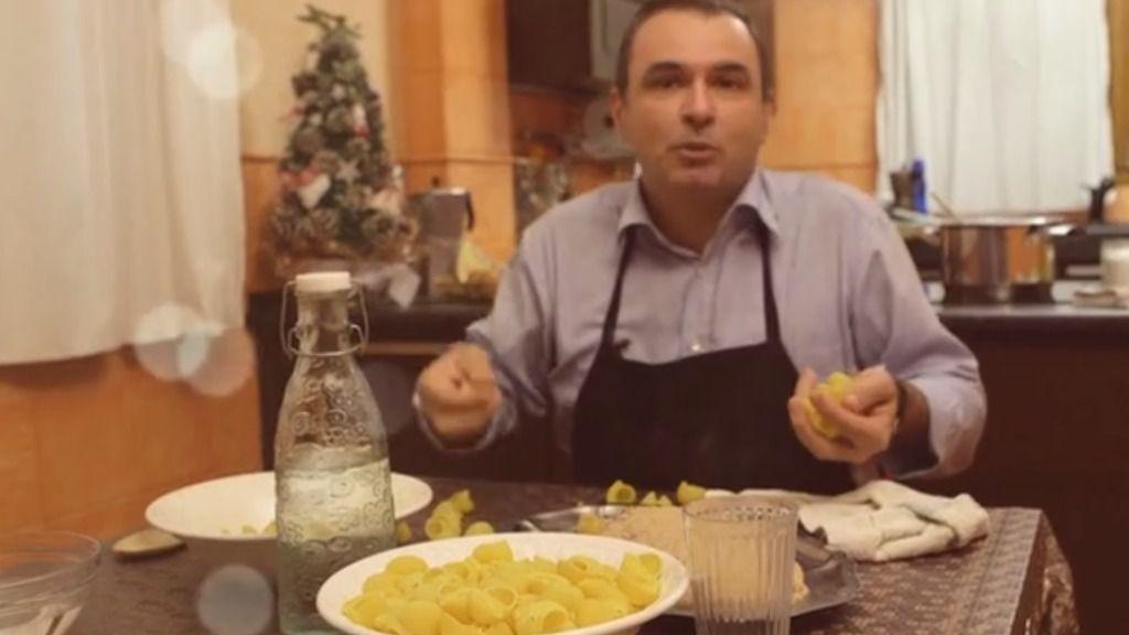 """El PP de Calvià se mete en la cocina y felicita las fiestas """"con fundamento"""""""