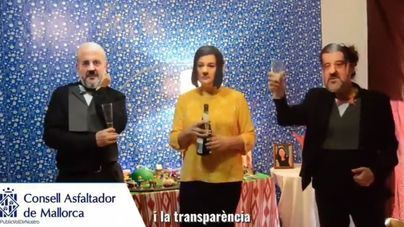 "Los antiautopista se mofan del ""Consell Asfaltador de Mallorca"" con una parodia navideña"