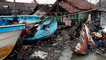 430 muertos y 22.000 desplazados por el tsunami que asoló Indonesia