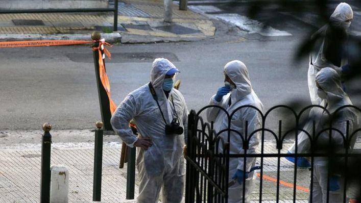 Dos heridos por la explosión de una bomba junto a una iglesia en Atenas