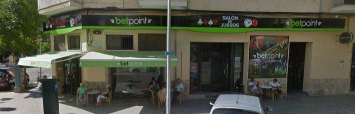 Un 36 por ciento de los adictos al juego en España se inician siendo menores