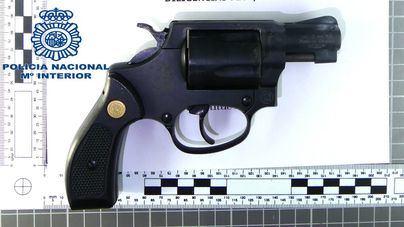 Cinco jóvenes, uno menor, detenidos por robar una pistola de fogueo en Manacor