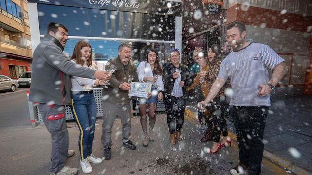 Dos de cada diez lectores afirman haber sido agraciados con algún premio de la Lotería de Navidad