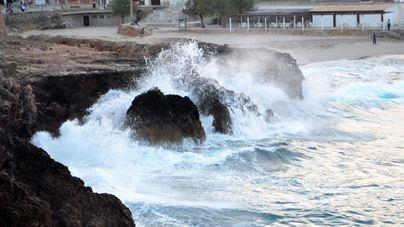 Mallorca en alerta amarilla en la zona costera por oleaje y mala mar