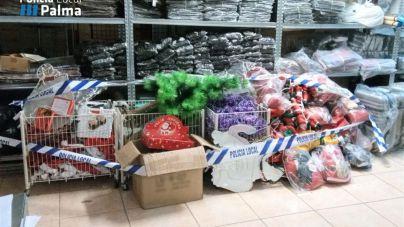 Intervenidos 18.503 juguetes, adornos y disfraces en siete locales de Palma por incumplir la normativa