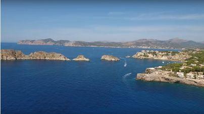 Prohíben la pesca desde las rocas en la reserva de El Toro por la basura acumulada en la costa