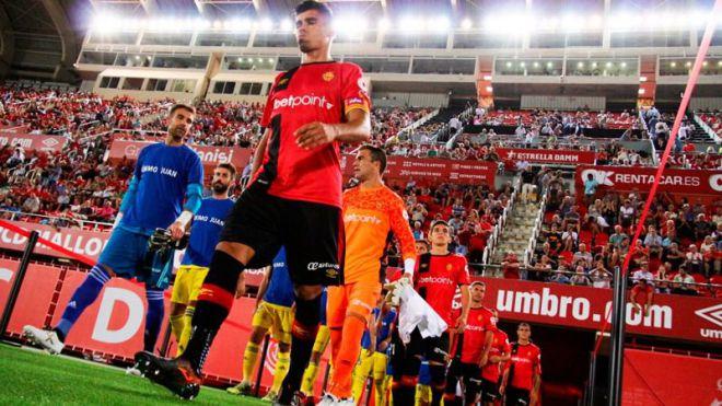 El Mallorca ataca al Almería, ambos al acecho de plazas promoción