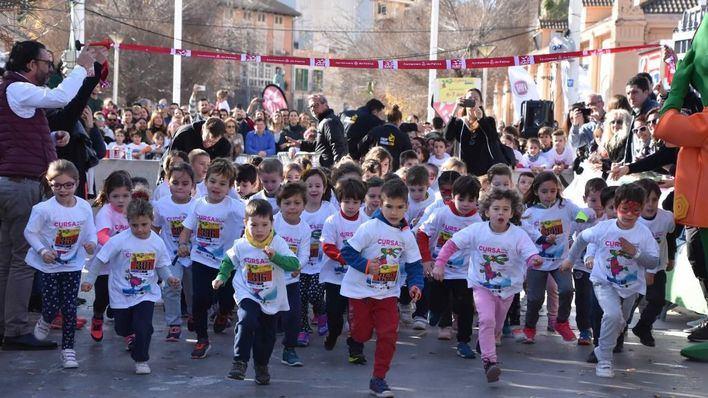 Mil niños participan en la Carrera Infantil de Reyes