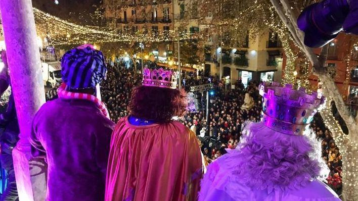 Los Reyes Magos de Oriente reparten ilusión por toda Mallorca
