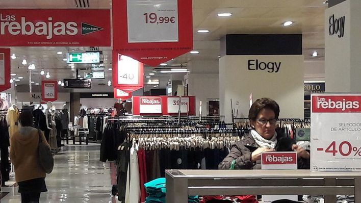 Los consumidores baleares gastarán 115 euros de media en moda en las rebajas de enero