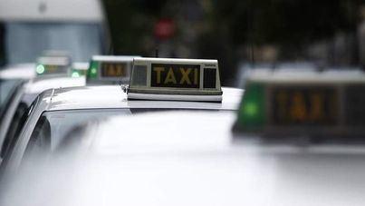 Nuevo atraco a un taxista en Cala Major: le agarran por el cuello y le golpean