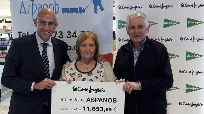 El Corte Inglés entrega 11.653 euros a Aspanob recaudados en Navidad