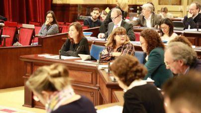 El Parlament debate el martes en un pleno extraordinario cinco leyes y un decreto