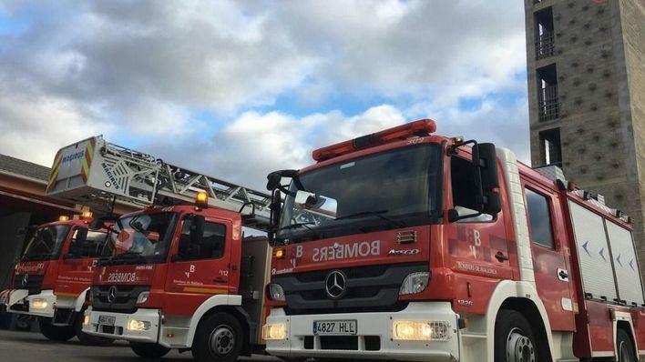 Los Bomberos extinguen un incendio originado en el horno de un supermercado de Sencelles