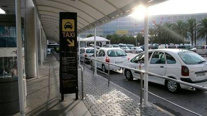 Los taxistas alertan al Govern: el coche eléctrico es ahora inviable