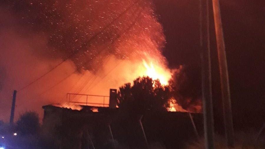 Alarma en Can Pastilla por el incendio en una casa abandonada