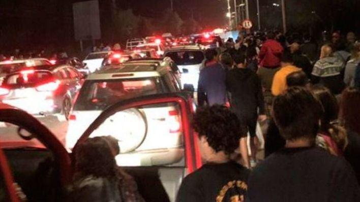 Mueren dos personas en la evacuación por un anuncio de tsunami en Chile