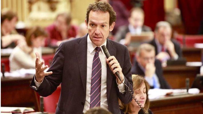 La Federación Nacional de Coches de Alquiler se suma a la denuncia contra la Ley de Cambio Climático