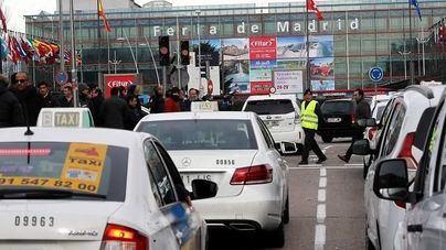 Taxistas vuelven a cortar la M-40 en la cuarta jornada de protestas