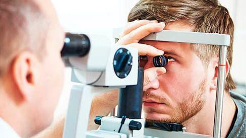Un total de 99 aspirantes se examinan este sábado para cubrir 43 plazas de oftalmólogo y cardiólogo