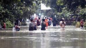 59 muertos y 47 heridos en las inundaciones y avalanchas de Indonesia