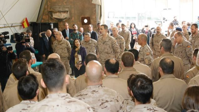 El Rey visita a los militares españoles en Irak