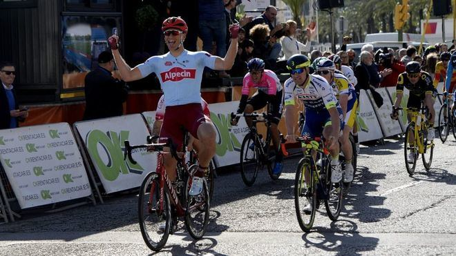 Kittel se impone tras un sprint masivo en Palma