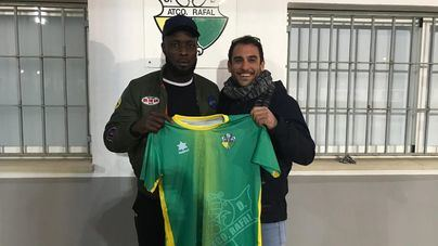 El C.D. Atlético Rafal se refuerza con Iyayi Osaheni