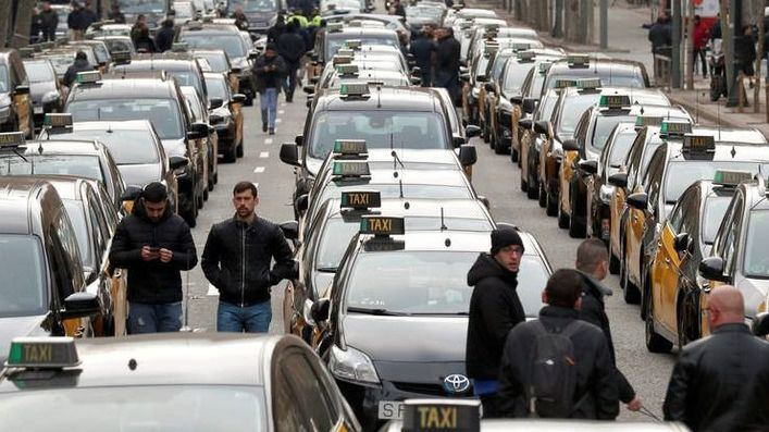 Los taxistas de Madrid desconvocan la huelga indefinida
