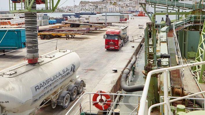Puerto de Alcúdia aumenta un 30 por cien el volumen de pasajeros y mercancías