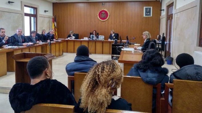 Condenada a dos años de cárcel por prostituir a dos mujeres a las que amenazó con hacerles 'vudú'