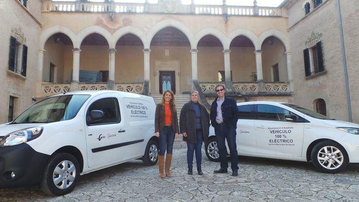 Andratx presenta dos nuevos vehículos eléctricos del servicio de aguas