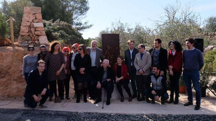 Un memorial recuerda a los presos del franquismo condenados a construir carreteras de Mallorca