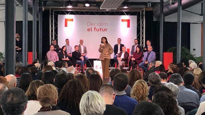 Carmen Calvo habla de la 'necesidad de diálogo y no enfrentar a los territorios'