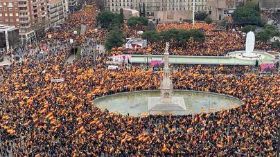 Miles de personas piden en Madrid la dimisión de Sánchez
