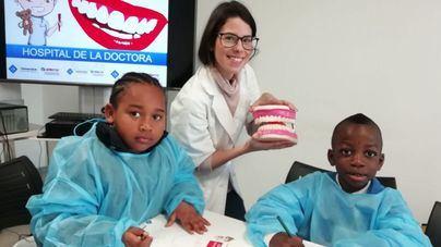 Casi un centenar de niños se forman en salud bucodental