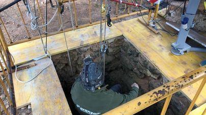 Encuentran tres cuerpos a 47 metros de profundidad en el Pou de s'Àguila, en Llucmajor