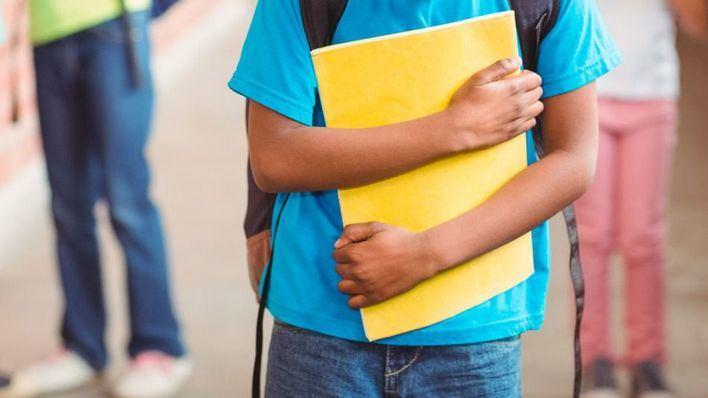 Un menor detenido y cuatro jóvenes identificadas por hacer bullying a otro en Son Ferriol
