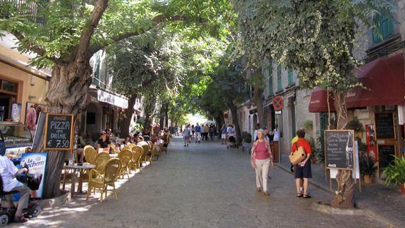 La presión turística diaria en Valldemossa es la mayor de España