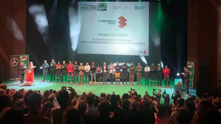 El Auditorium en pie para homenajear la solidaridad con Sant Llorenç