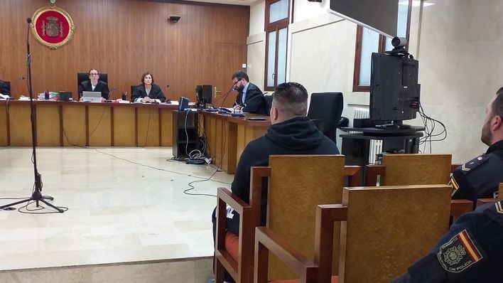 Mantienen la petición de 15 años por incendiar una vivienda en Menorca
