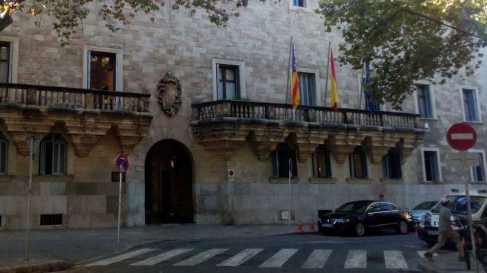 Acepta una condena de un año y nueve meses por amenazar y maltratar a su pareja en Palma