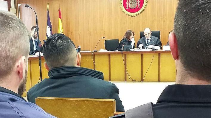 Condenado a siete años y medio de cárcel por violar y dejar embarazada a su hija menor de edad en Mallorca