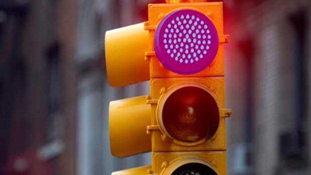 El Ayuntamiento de Palma instala la primera cámara para multar a los que se salten un semáforo en rojo