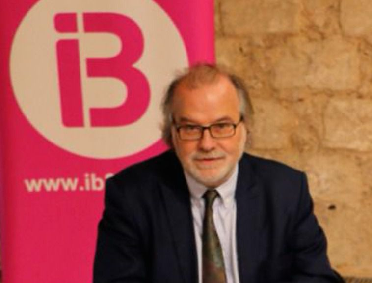 IB3 entrega el informe sobre la internalización del ente público a los grupos parlamentarios