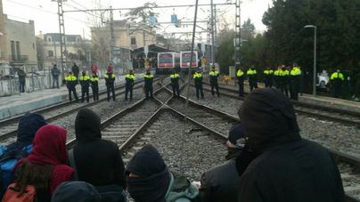 Cuatro detenidos durante la jornada de huelga en Cataluña