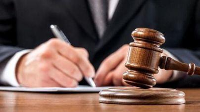 El PP pide que se paguen los atrasos a los abogados de turno de oficio
