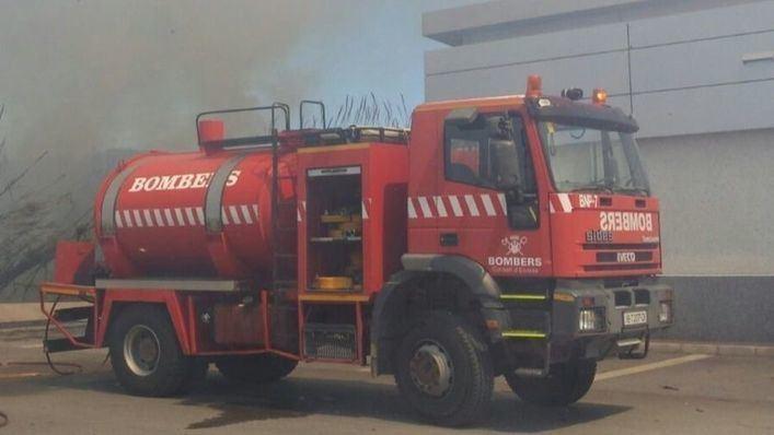 El incendio de un piso deja nueve intoxicados